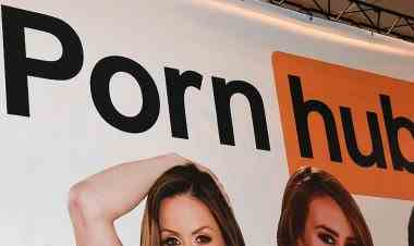 Zeci de femei au dat în judecată Pornhub