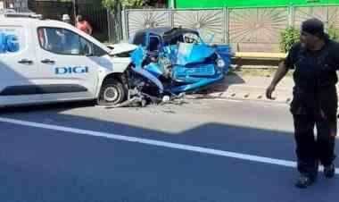 Un polițist, aflat la volanul unui trabant, a murit într-un grav accident de circulație, în apropiere de Deva